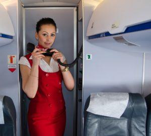 Аэрофобы постоянно наблюдают за стюардессами