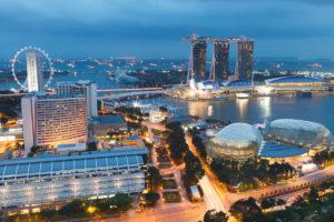 Красивый вид на вечерний Сингапур