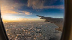 Во время перелета аэрофобы любят прислушиваться к звукам двигателя