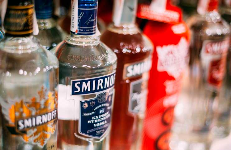 Бесплатно можно провезти только 3 литра алкоголя