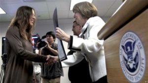 Церемония принятия гражданства США