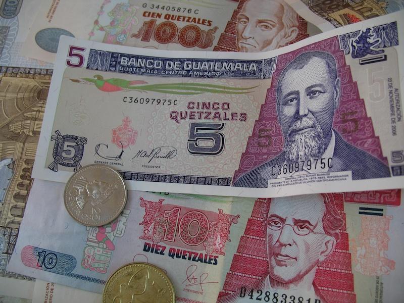 Деньги Гватемалы