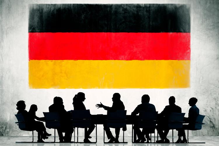 Если гражданин обладает достаточными средствами для открытия и ведения честного бизнеса на территории Германии, то ему предоставят вид на жительство