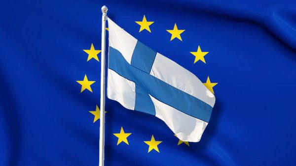 Флаги Финляндии и ЕС