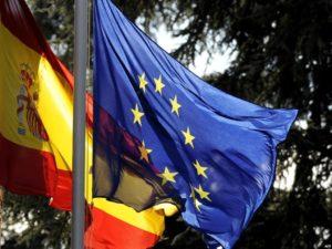 Флаги Испании и ЕС