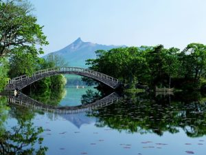 Голубой пруд на острове Хоккайдо