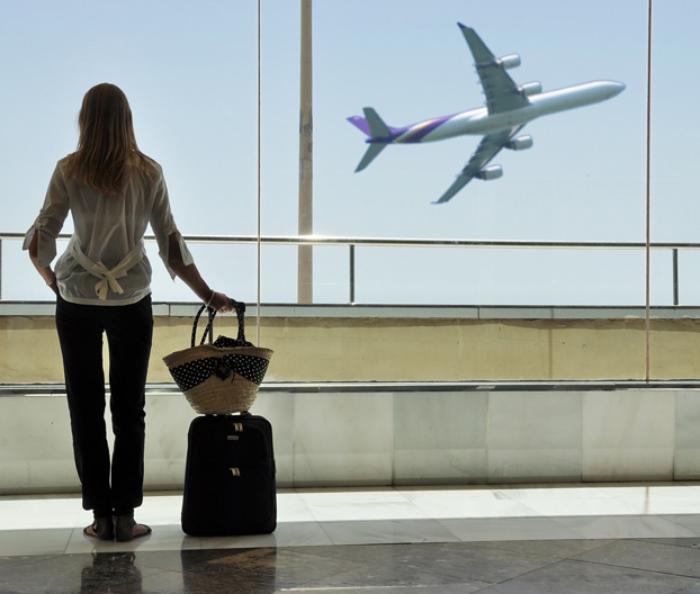 Гражданина могут не выпустить за границу по разным причинам