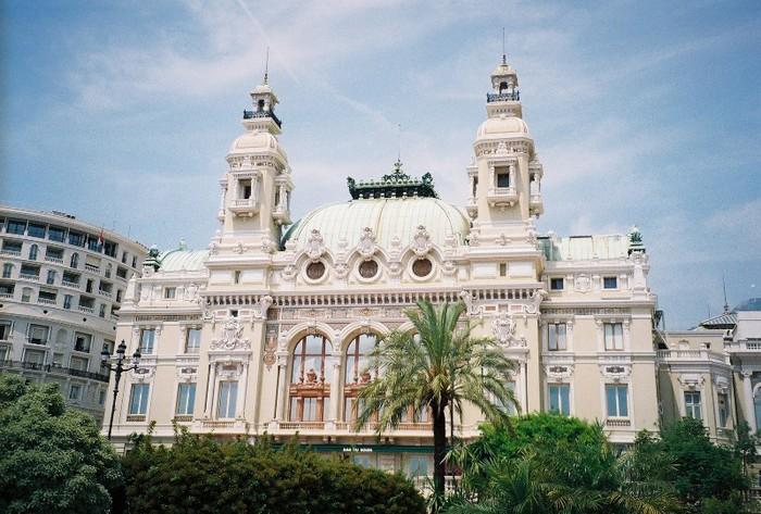 Княжеский дворец – крепость Монако и официальная резиденция княжеской семьи