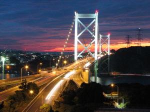 Мост Kanmon соединяет Кюсю и Хонсю