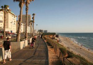 На территории Израиля нужно прожить не менее пяти лет