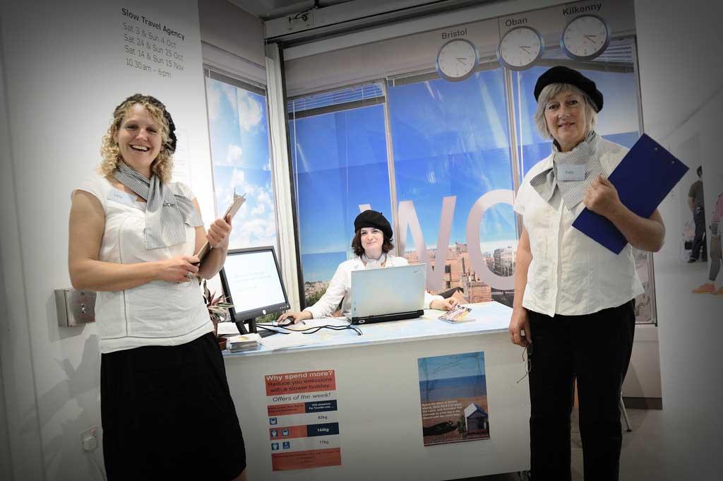 Оформить визу помогут в турфирме