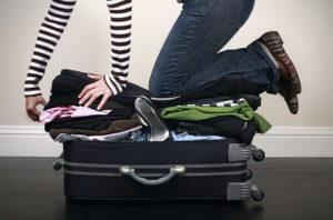 Опытные путешественники утверждают, что более 50% вещей ни разу не достаются из чемоданов до возвращения домой