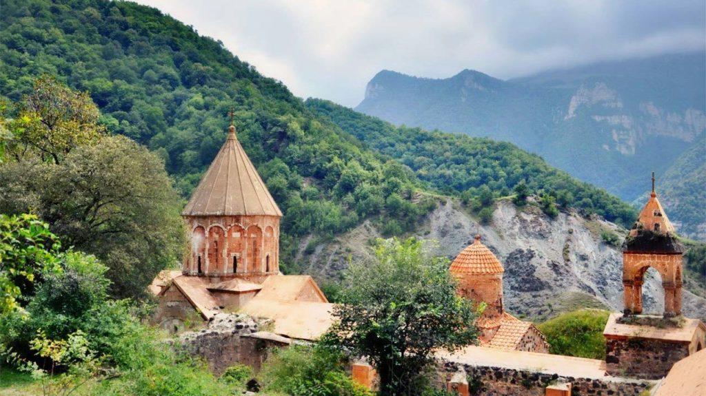 Пересечь границу с Нагорным Карабахом можно лишь с армянских земель