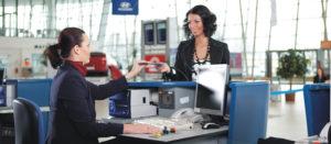 Получение посадочного талона на стойке регистрации