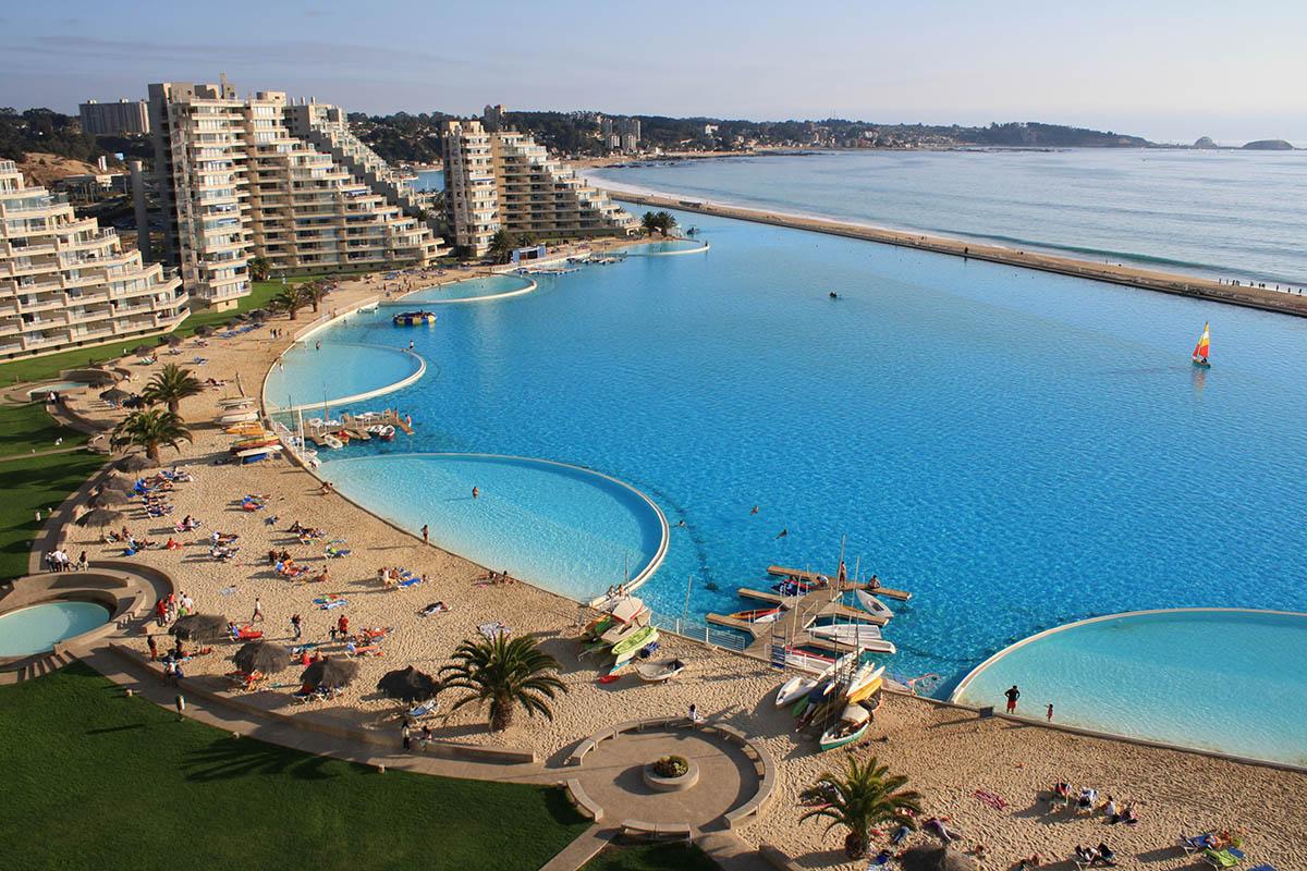 Самый большой бассейн в Чили