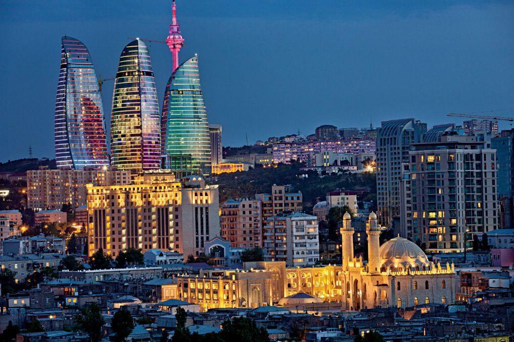 Въезд в Азербайджан по паспорту, в котором имеется отметка о пересечении границы с Арменией, чревата множеством бюрократических трудностей