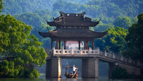 Пересечь границу Поднебесной без каких-либо особых разрешений могут только граждане трёх стран: Японии, Брунея и Сингапура