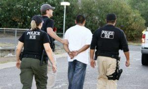 Чтобы стать гражданином США, нужно соответствовать принятым в американском обществе правовым и нравственным нормам