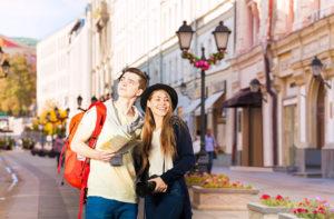 Чтобы получить гражданство, беларусы должны быть совершеннолетними, иметь источник дохода и свободно общаться на русском языке