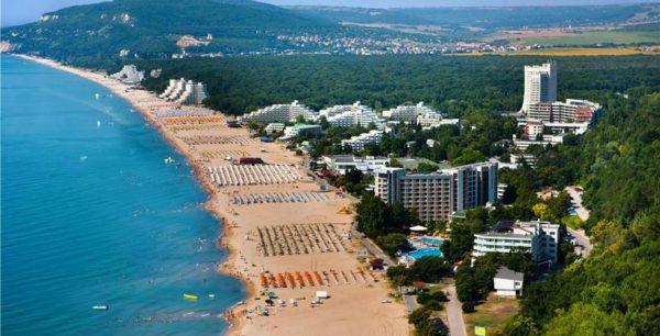 Албена – еще один популярный среди наших туристов болгарский курорт