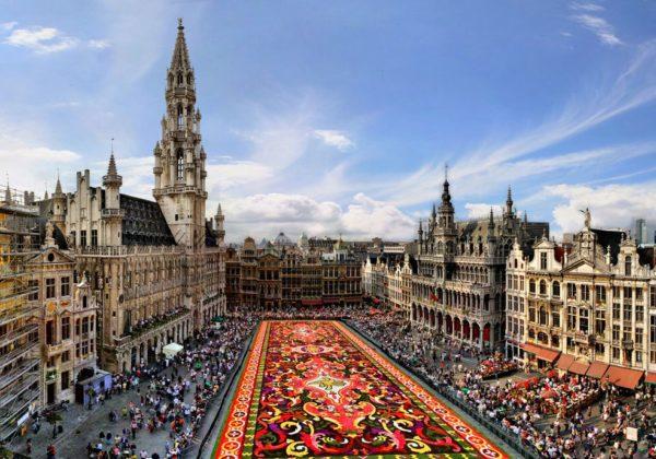 Брюгге, Брюссель