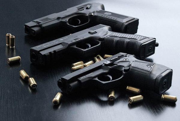 Огнестрельное оружие, даже с разрешением российского образца запрещается ввозить на территорию Беларуси