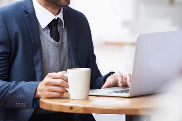 Онлайн-регистрация обычно начинается за сутки до вылета рейса