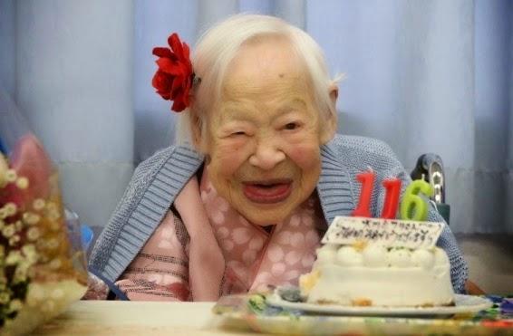 В Японии в настоящее время проживает 65 тысяч 692 человека, возраст которых превышает 100 лет