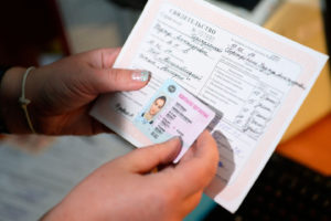 Водительские права и техдокументы на машину