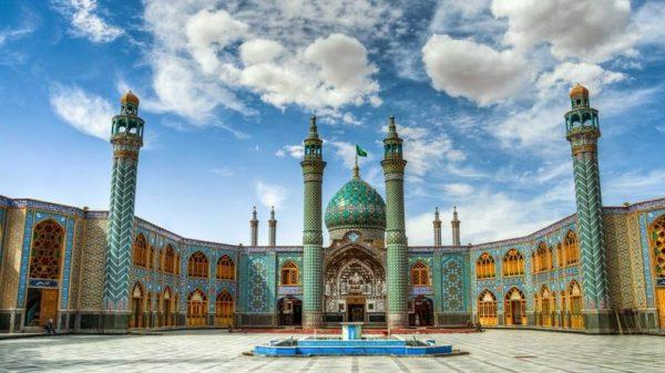 Азербайджан – одна из 75 безвизовых для россиян стран