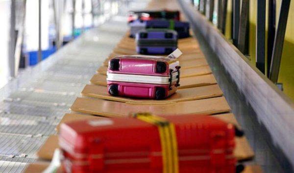 Багаж на транспортной ленте
