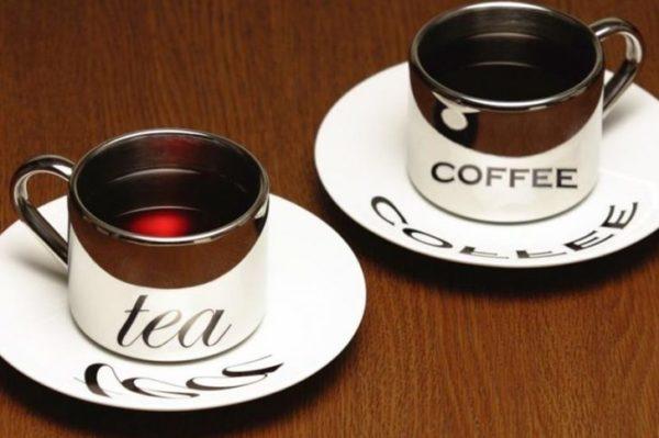 Чай и кофе - не лучшие напитки перед полетом