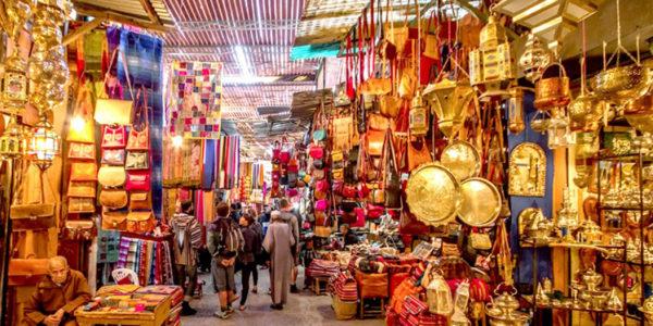 Днем в районах Медины или рынков будьте внимательны к своим кошелькам,сумкам