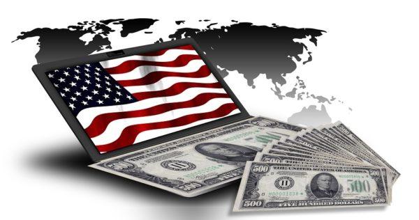 Каждый житель США обязан сам за себя отвечать: раз в году самостоятельно подавать налоговую декларацию и платить налоги