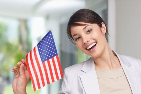 Виза К1 дает право жениху/невесте въехать в США и заключить брак с его/ее петиционером – гражданином США в течение 90 дней с момента въезда