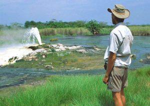 Национальный парк Семлики расположен на западне Уганды, между национальными парками Рувензори на юго-востоке и озером Альберт на севере