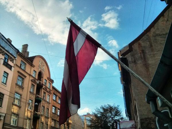 Об обязанностях сотрудников латвийского посольства