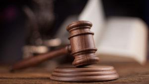 Пользование всеми социальными программами, наличие избирательного права, права на защиту в судах
