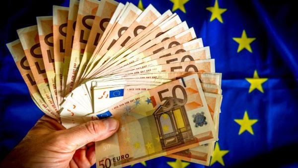 Сколько денег нужно на поездку заграницу
