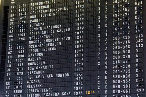 Табло в аэропорту