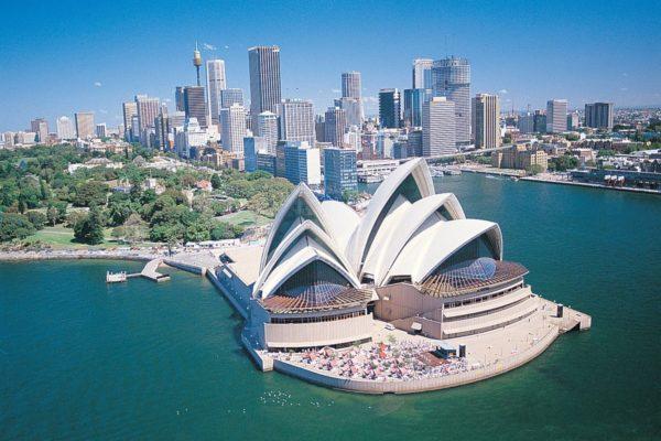 В Австралии нужно прожить три месяца