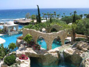 Вид одного из отелей на Кипре