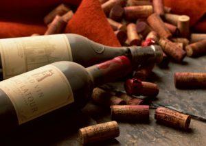 Ввозимое сверх указанных норм вино для личного употребления, если его таможенная стоимость превышает 128 евро, облагается пошлиной в размере 16%