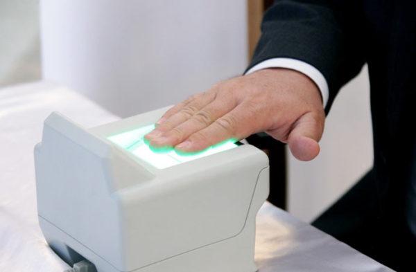 Биометрия, снятие отпечатков пальцев