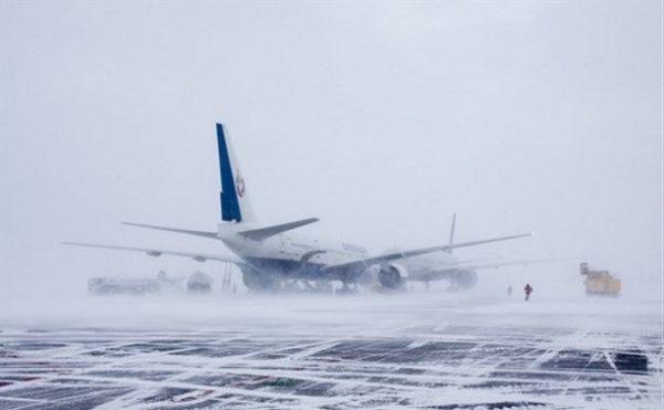 Если из-за погодных условий перенесли авиарейс, возможен экстренный въезд в страну