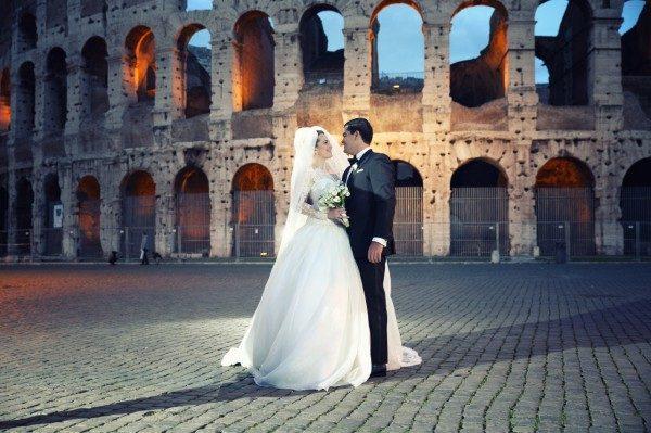 Если один супруг живет в Италии, второй может получить гражданство уже через два года после свадьбы