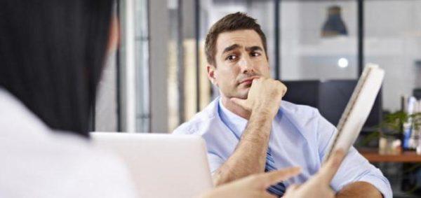 Крупные предприятия более скрупулезно проверяют анкеты соискателей