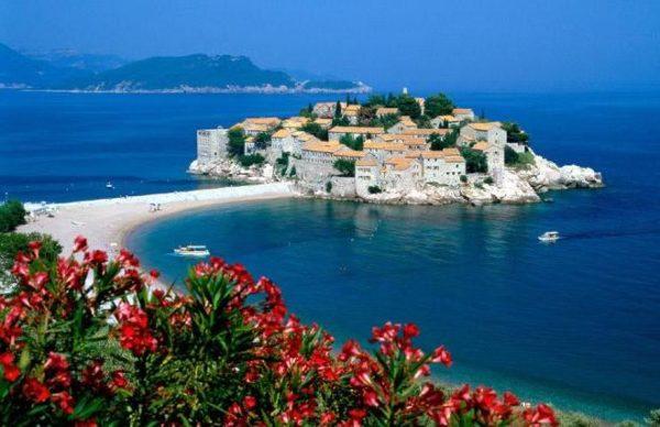 Можно отдыхать в Черногории без визы 30 дней