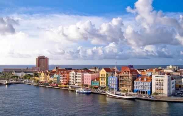 На голландские Карибы пускают с шенгенской визой