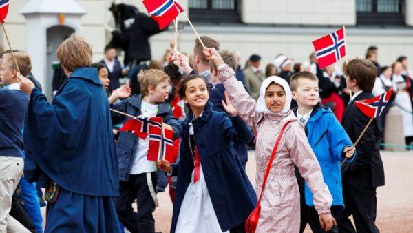 Норвегия - одна из немногих стран, занимающая лидирующие позиции по уровню жизни населения